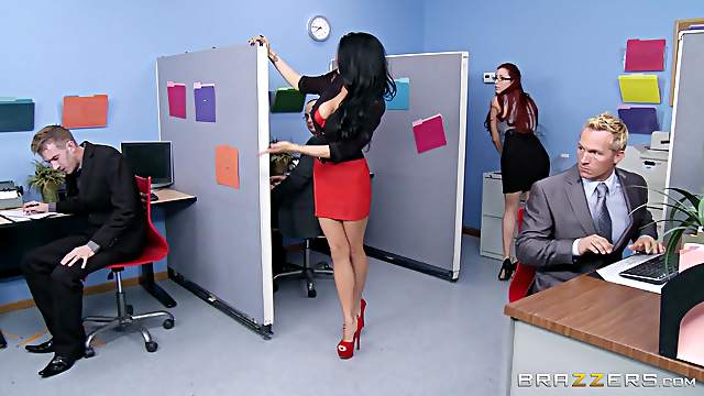 Cougar MILF With Long Hair Screaming As She Gets Drilled In The Office