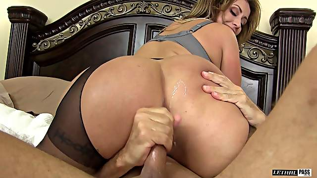 Eva Notty is a mature chick ready to be fucked hardcore