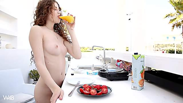 Heidi can't even make breakfast without playing with her pussy