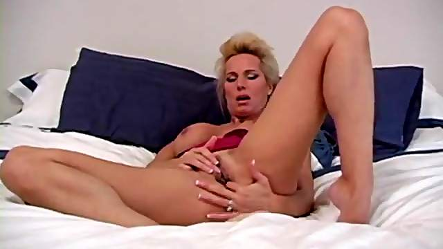 Fingering and clit rubbing milf blonde