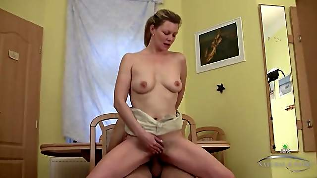 Fucking a housewife on her kitchen table