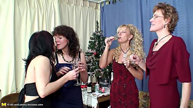 Sila and Ryanne seduce their friends for a lesbian orgy