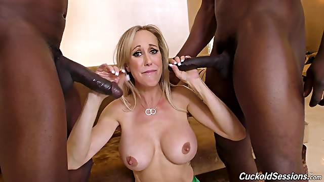Superb blonde MILF Brandi Love gets two big black dicks