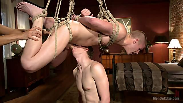 Brendon Scott gets his cock pleased before an memorable gay orgasm