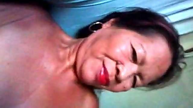 Massage Filipina granny