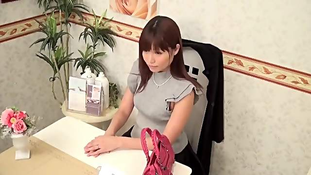 Sexy Japanese gets a dirty massage