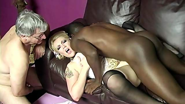 Hot pornstar in sexy lingerie reaches orgasm in interracial sex