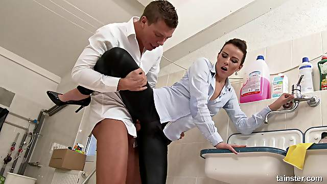 Looks like the cleaning ladies also love to do some cock riding!