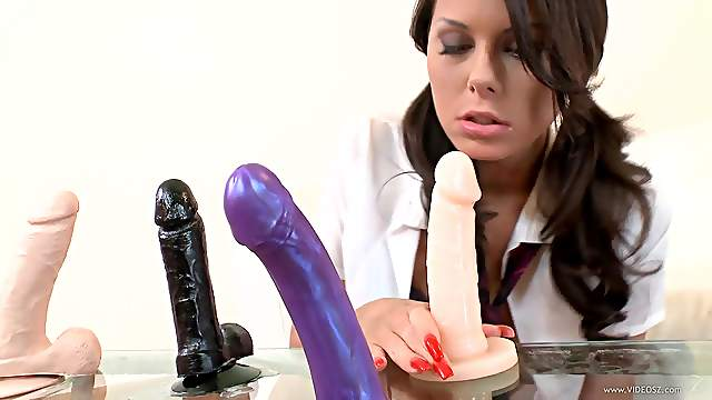 Lovely porn lady Melanie Memphis likes to suck and fuck a huge dildo