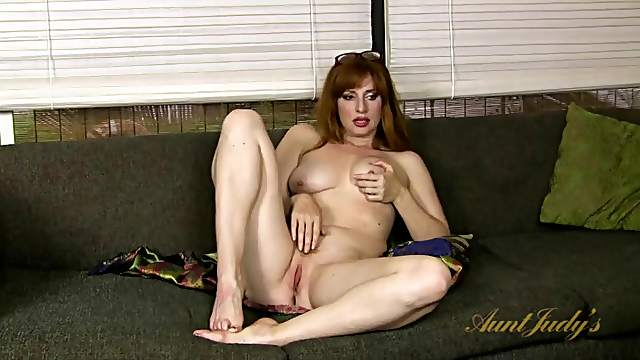 Naked redheaded mom gives a joyful interview