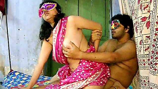 Fat friend is fucking his chubby Indian chick Savita
