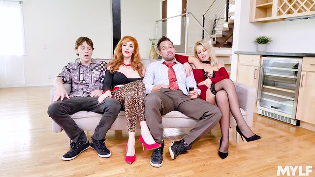 Foursome XXX parody with  the Bundy Family