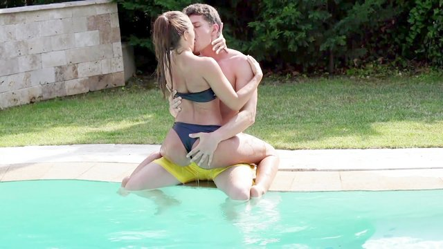 Sweet ass chick gets laid by the pool until sperm covers her ass