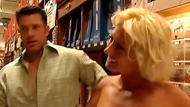 Sexy blonde milf reality porn fuck scene