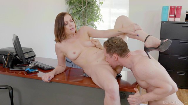 Impressive office hardcore tryout with the mature female boss