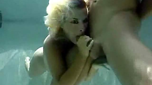 She sucks hard dick underwater