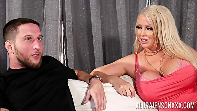 Hammer time for the thick ass cougar in scenes of restless XXX